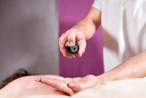 Can I Calm Neuropathic Pain With Essential Oils?
