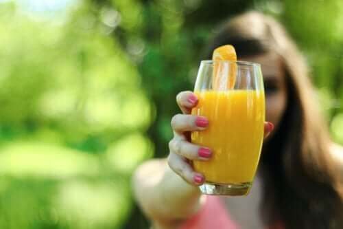 Five Juices that Can Help You Shed Inches Off Your Waist