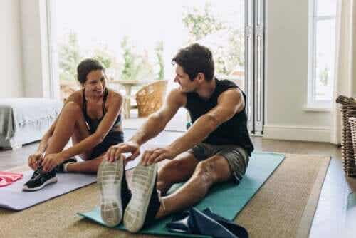 Isotonic and Isometric Exercises: The Differences and Benefits