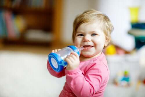 The Symptoms of Baby Bottle Tooth Decay How to Prevent It