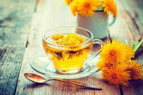 Ένα έγχυμα λουλουδιών έχει επίσης παρενέργειες..