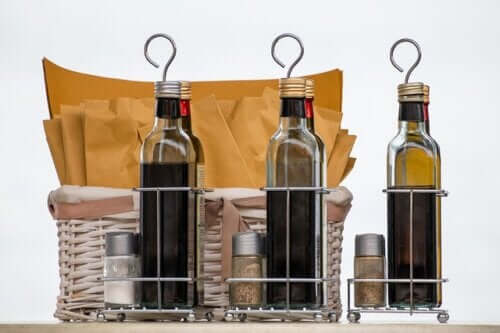 Does Vinegar Kill Anisakis?