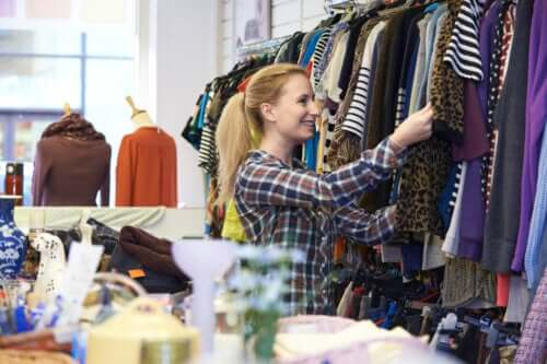 6 Tips for Buying Second-Hand Clothes
