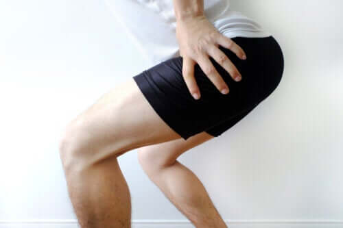 Causes, Symptoms and Treatments for a Hip Labral Tear
