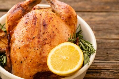 Roasted chicken is allowed in the Optavia diet..