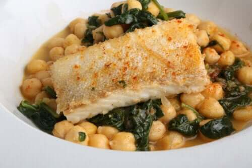 Chickpeas with Cod: An Easy and Delicious Recipe