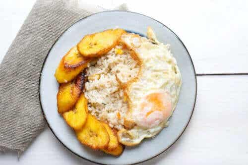 A Delicious Recipe for Cuban Rice with Plantain