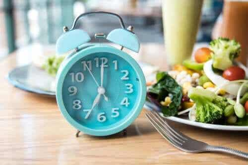 The Best Time of the Day to Eat, According to Science