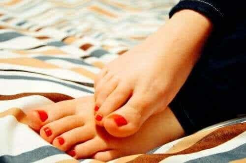 Hot Feet Sensation: Why Does it Happen?