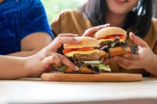 How to Avoid Binge Eating