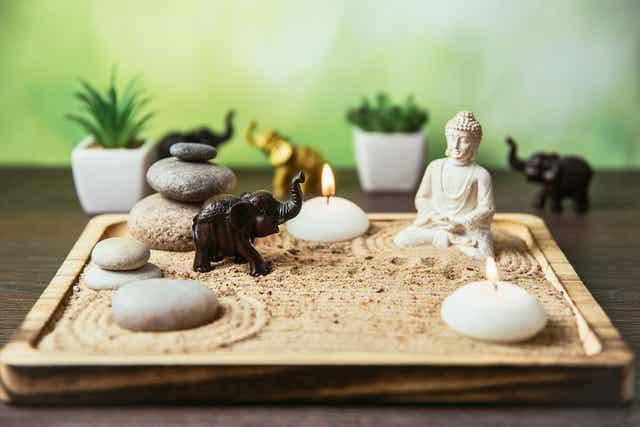 Ένας μικροσκοπικός κήπος Zen.