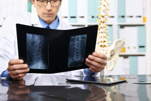 Laminectomy Surgery: What is It and What are Its Risks?
