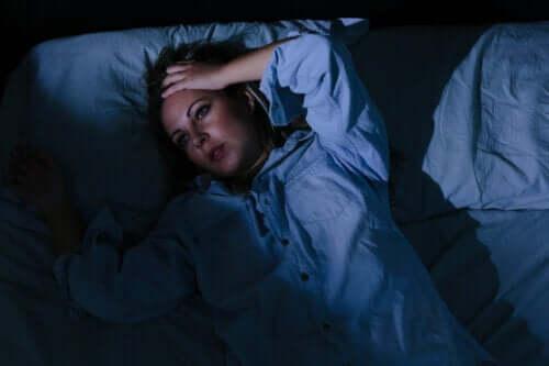 Do Worries Keep You Awake? 6 Tips To Cope