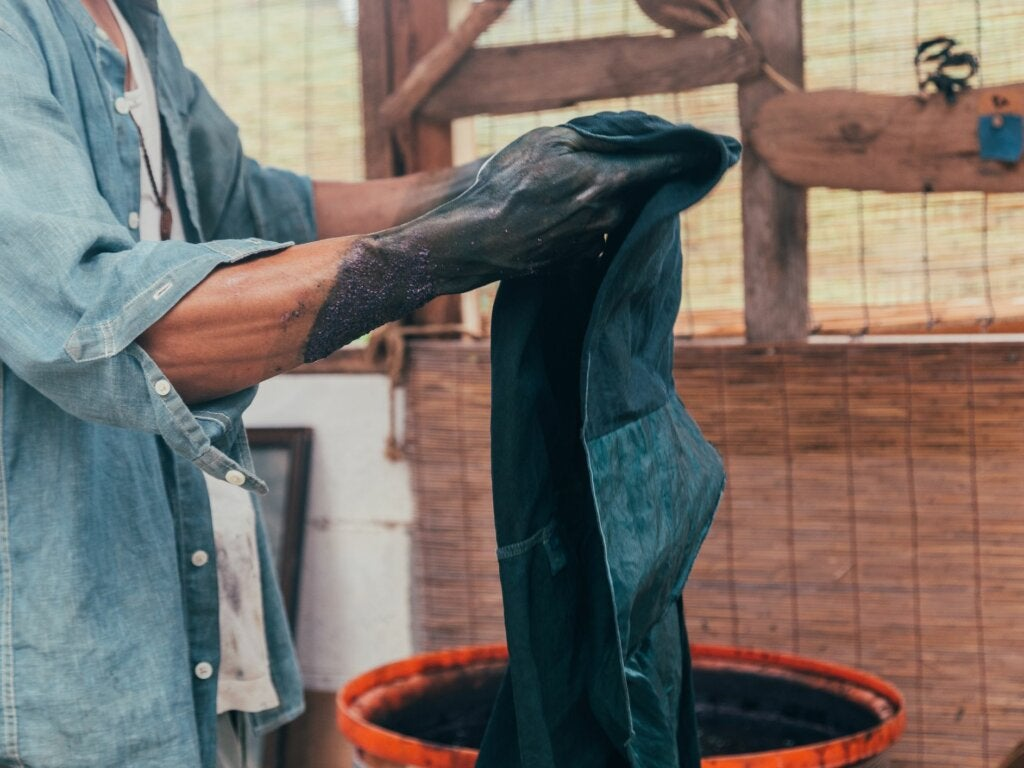 4 Tips for Dyeing Your Clothes at Home