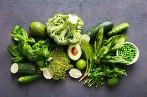 The Pros and Cons of the Green Mediterranean Diet