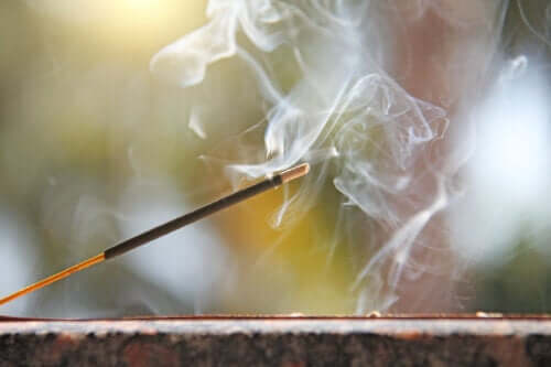 4 Ideas to Make an Incense Holder at Home