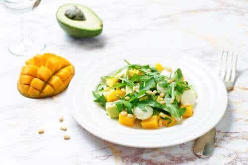 3 Ways to Make a Mango and Avocado Salad