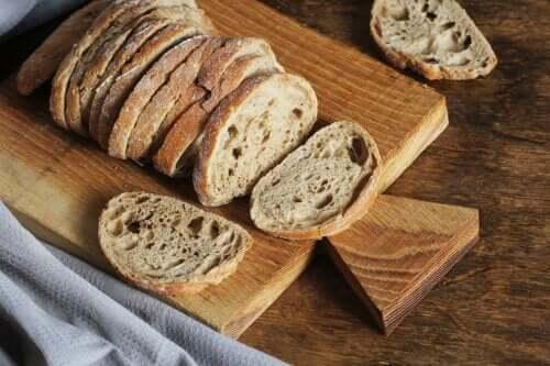 How to Make Homemade Quinoa Bread