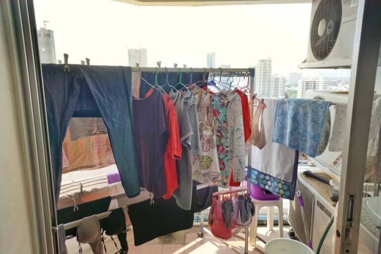 4 Tips to Dry Clothes Quickly