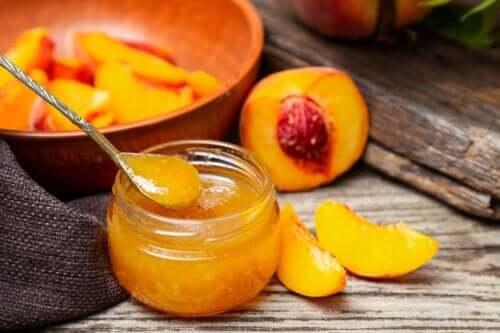 A Simple Recipe for Homemade Peach Jam
