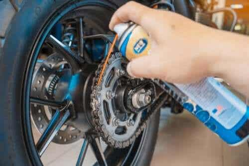 Five Tips for Motorcycle Maintenance at Home