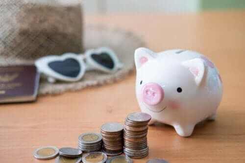 10 Ways to Manage Your Spending During Vacations