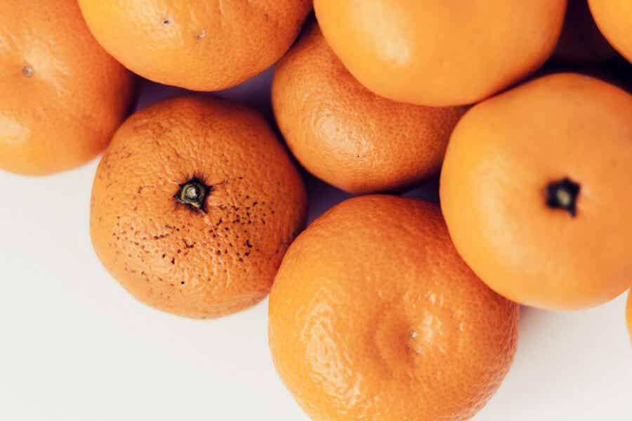 En bunke mandariner