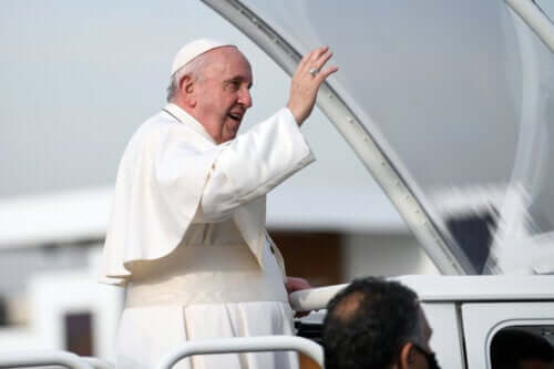 Pope Francis' Symptomatic Diverticular Stenosis