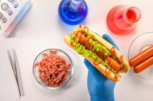 What Are the Risks of Artificial Additives?