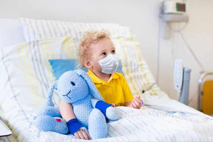 A child with pneumonia in the hospital.
