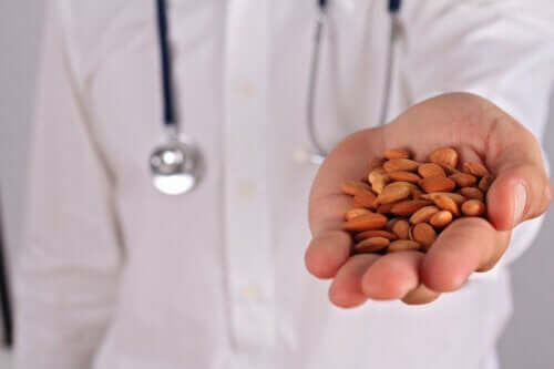 Laetrile or Amygdalin: Uses, Properties and Risks