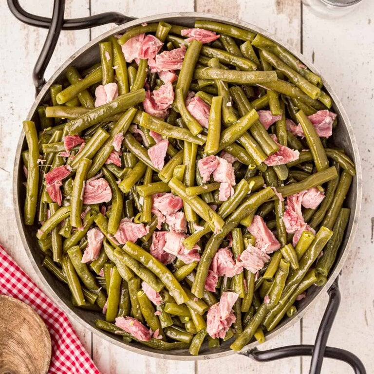 A Delicious Recipe with Green Beans and Ham
