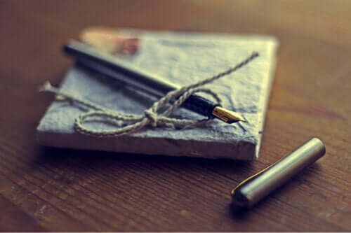 Gratitude Journals: What They Are and How To Keep One